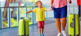 Bambini in vacanza: cosa mettere sempre in valigia